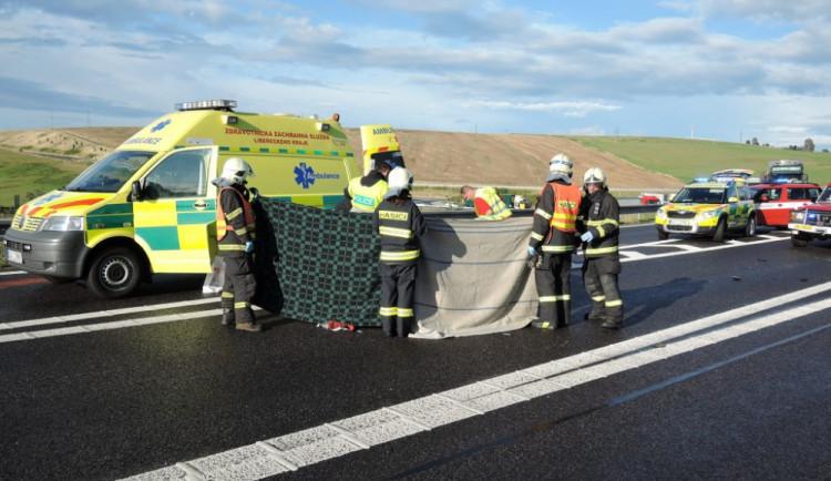 Řidič nedal přednost kamionu, i přes snahu svědků o resuscitaci na místě zemřel